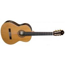 Классическая гитара ADMIRA A8